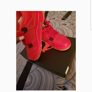 Women's Retro  Jordans *box included*worn twice